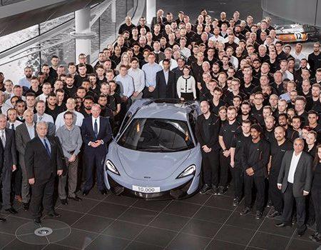McLaren 10,000'inci aracını üretti