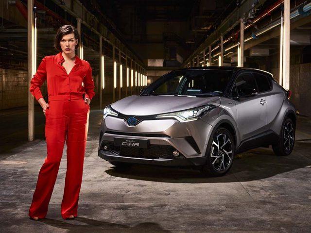 Toyota C-HR ve Milla Jovovich Londra'dan buluştu
