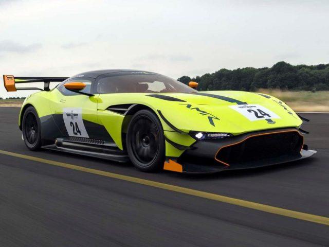 Aston Martin'den Vulcan'a ek pist ayarı