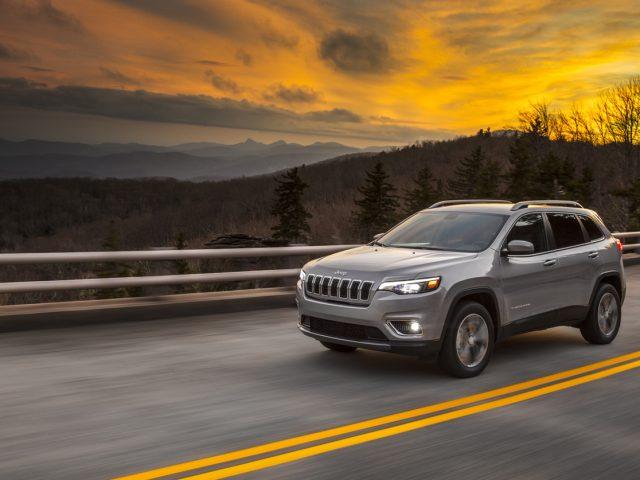 Yeni Jeep Cherokee Detroit'i bekliyor