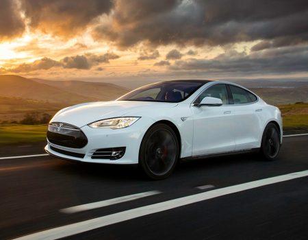 Tesla Türkiye'de mağaza açıyor