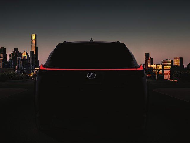 Lexus yeni UX Crossover modelini Cenevre'de sergileyecek