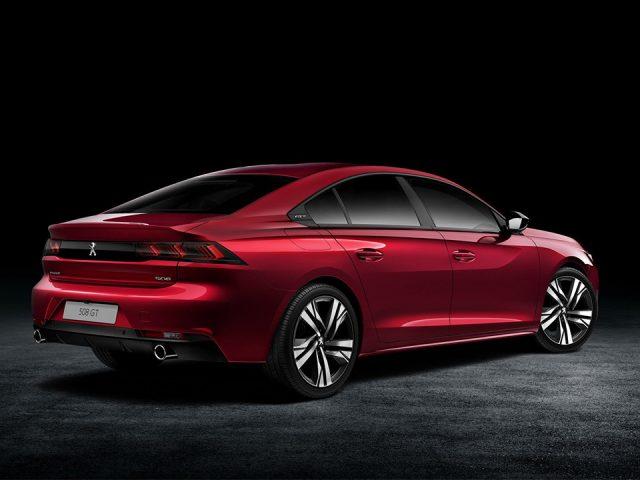 Peugeot ve Toyota Avrupa'da sedanlar için hala umutlu