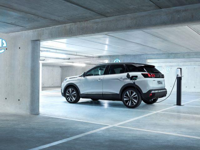 Peugeot yeni hibrit motorunu tanıttı