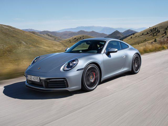 Porsche sekizinci nesil 911'i tanıttı