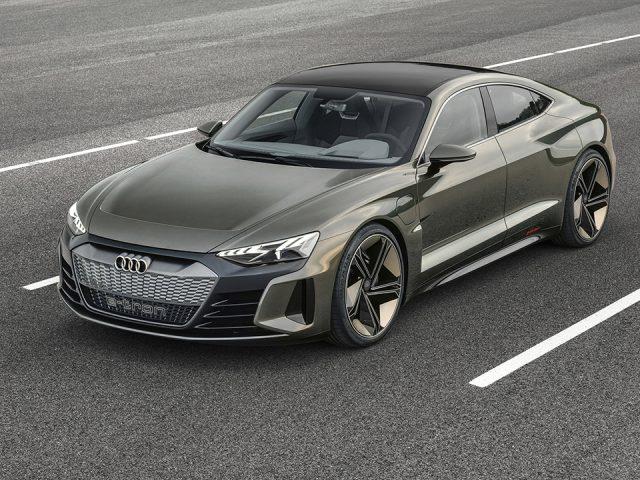 Audi yeni dört kapılı elektrikli coupe'sini tanıttı
