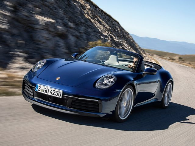 Yeni Porsche 911 üstünü açtı