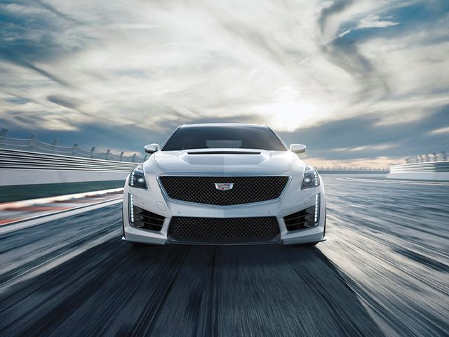 0-100 km/s hıza 4 saniyenin altında ulaşan 10 sedan