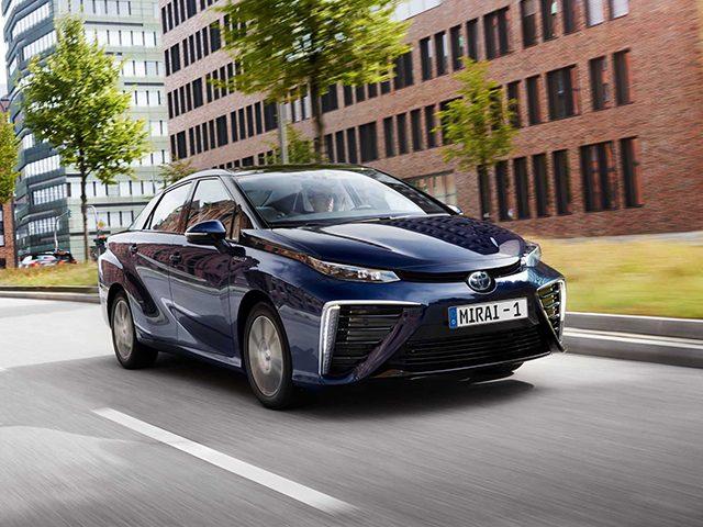 Hidrojen yakıtlı Toyota'lar taksi oluyor