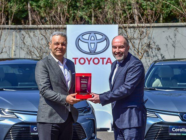 Toyota tarihinin en büyük filo satışına Corolla Hybrid ile imza attı