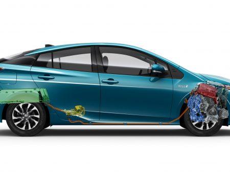 Toyota kontrolsüz hızlanmanın önüne geçiyor