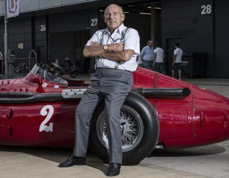 Maserati Efsane Pilot Sir Stirling Moss'u MC20 Prototipiyle Anıyor