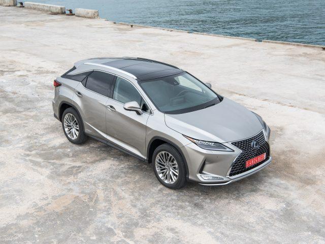 Lexus'un Lüks SUV'u RX Yenilenerek Türkiye Showroomlarında Satışa Sunuldu