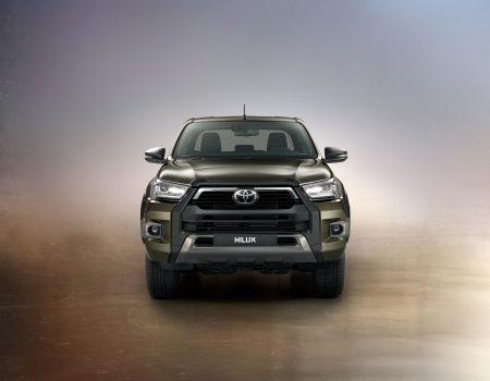 Durdurulamaz kimliği ile efsaneleşen Toyota Hilux yenilendi
