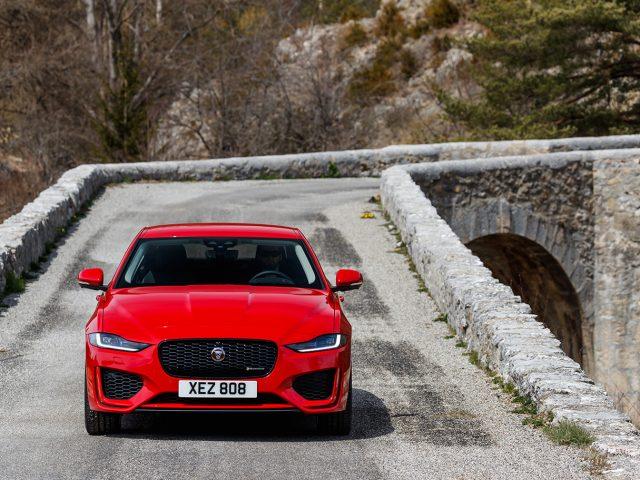 Gelişmiş Teknolojilerle Donatılan Yeni Jaguar XE Türkiye'de