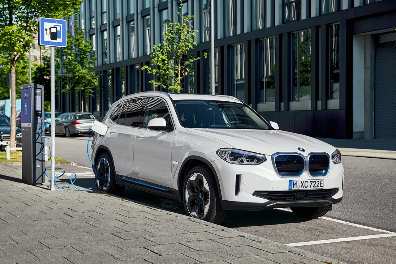 Yeni BMW iX3 Yollara Çıkmaya Hazır