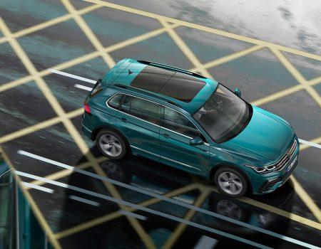 Volkswagen Tiguan yenilenen versiyonu ile showroomlarda yerini aldı