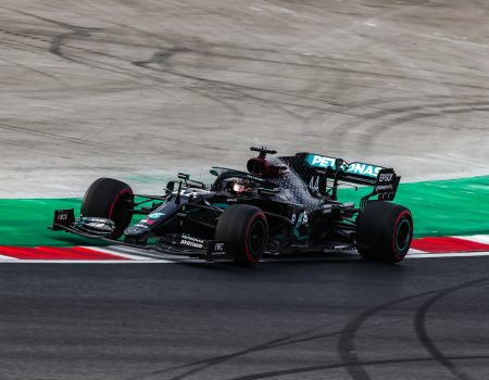 Lewis Hamilton kazanarak 7. Dünya Şampiyonluğu'nu ilan etti