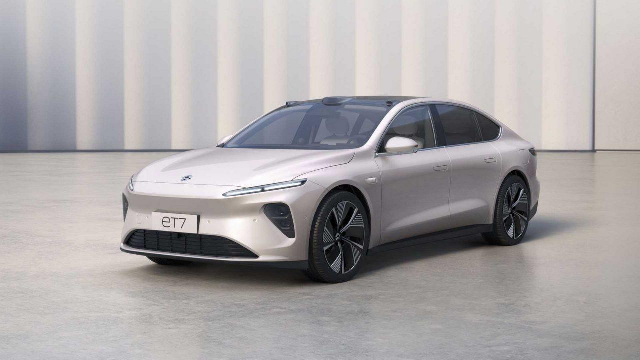 1000 km Menzilli Çinli NIO, İlk Elektrikli Sedanı ET7'yi Tanıttı