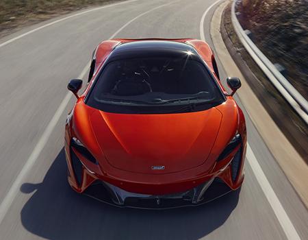 Geri Vitesi Olmayan Yeni McLaren Artura Sahneye Çıktı