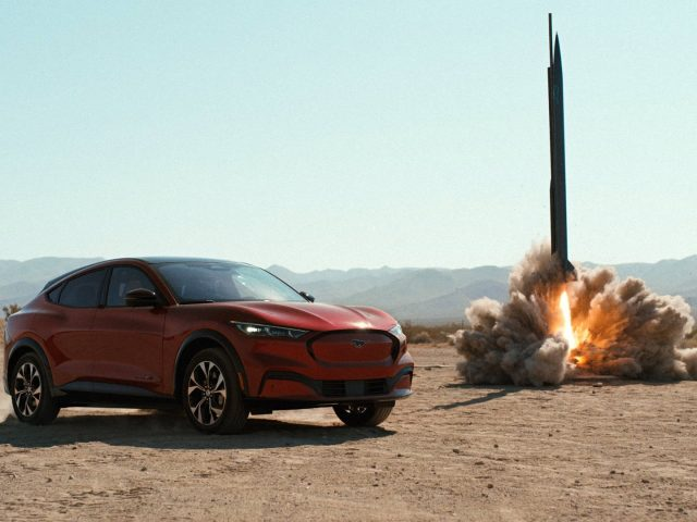 Ford Mustang Mach-E Kendine Rakip Olarak Roket Seçti