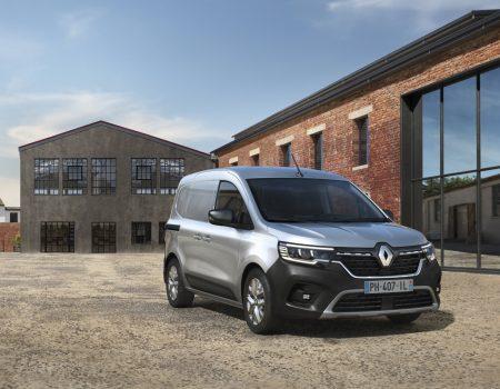 Renault Yeni Hafif Ticari Modellerini Tanıttı