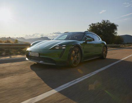 Yeni Porsche Taycan Cross Turismo'nun Türkiye'ye Geliş Tarihi Açıklandı