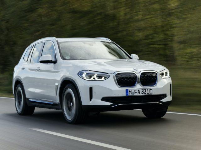 Tamamen Elektrikli Yeni BMW iX3 Showroomlarda Yerini Aldı
