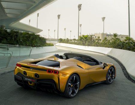 Ferrari İlk Tamamen Elektrikli Modelini 2025 Yılında Yollara Çıkaracak