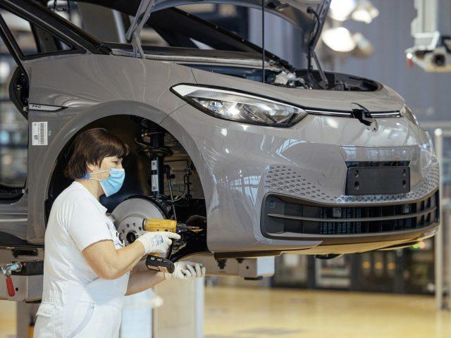 Volkswagen, Toyota'yı Kovalamaktan Vazgeçtiğini Açıkladı